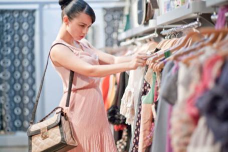 Fluxo de consumidores no varejo cai 3,8% em 2014