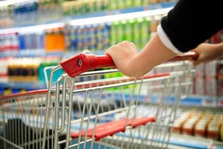 Atacarejo cresce com consumidor pressionado por crise econômica