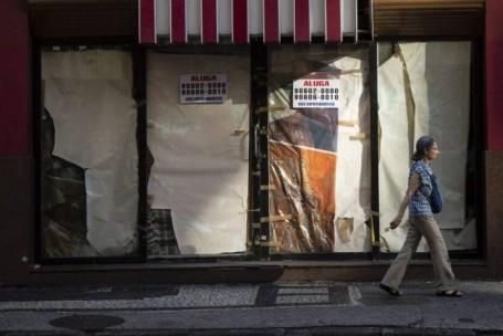Crise faz 1.280 lojas fecharem as portas no Rio