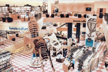 Crise econômica reduz desempenho das livrarias pela primeira vez no ano