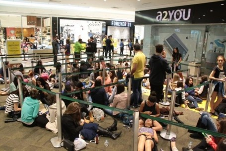 Forever 21 abre em Curitiba com filas gigantes