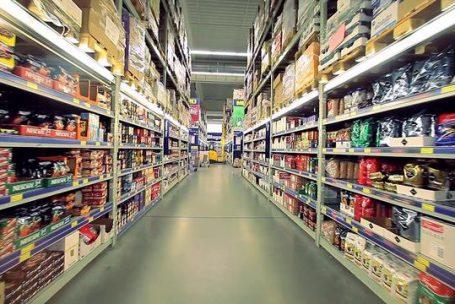 Crise: ricos vão às compras nos atacarejos