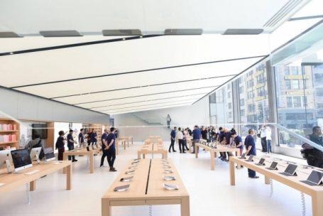Apple abre as portas de sua loja-conceito
