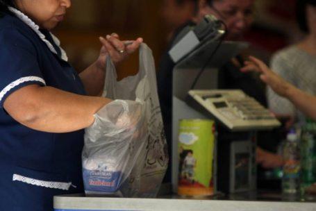 Confiança do consumidor atinge melhor indicador desde janeiro de 2015