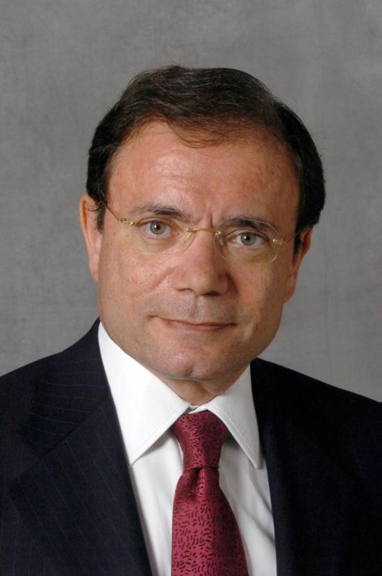 O empresário Jean–Charles Naouri, controlador do Pão de Açúcar, diz que grupo Casino vai simplificar estrutura societária do grupo.