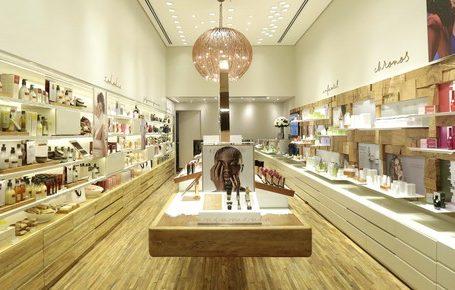 Natura diversica canais e investe em lojas físicas e e-commerce