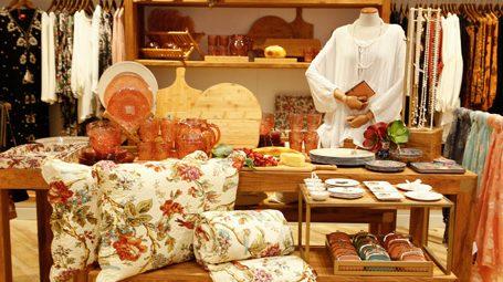 Pequenas e médias lojas invadem os shoppings