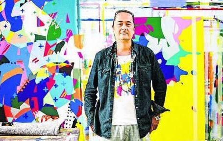 Grafiteiros e tatuadores. Marcas de luxo apostam na arte de rua para fisgar millennials
