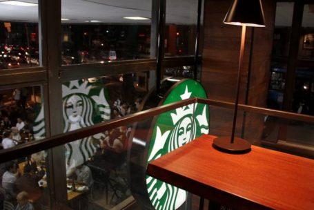 Starbucks baixa preços e quer triplicar número de lojas no País