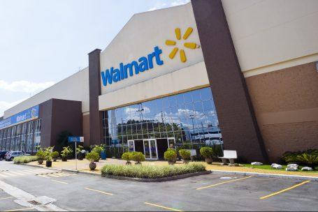 Walmart enxuga gastos e corre contra o tempo no Brasil