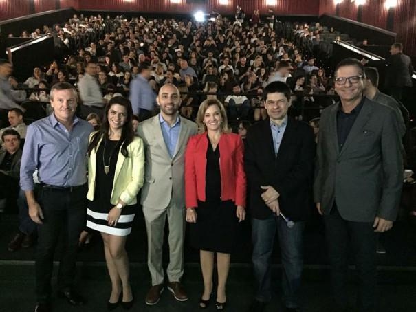 """Pós-NRF """"Special Program"""" lota Cinemark do Shopping Mueller em Curitiba"""