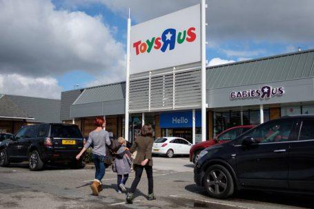 Toys 'R' Us, maior rede americana de brinquedos, pede falência